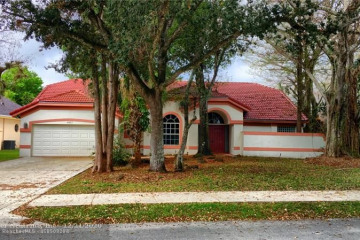 Home for Sale at 4917 NW 67th Ave, Lauderhill FL 33319