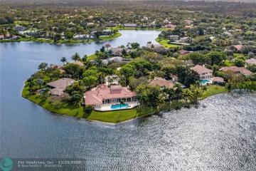 Home for Sale at 7701 Salem Ln, Parkland FL 33067