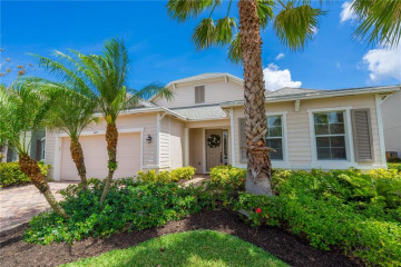 Home for Sale at 468 SW Sun Circle, Palm City FL 34990