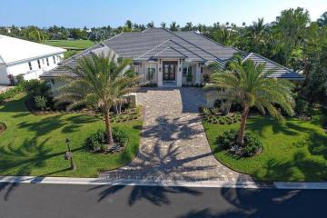 Home for Sale at 7033 SE Harbor Circle, Stuart FL 34996