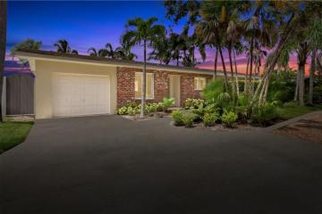 Home for Sale at 2023 SW Mockingbird Lane, Palm City FL 34990