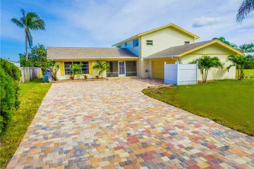 Home for Sale at 1519 SW Dyer Point Road, Palm City FL 34990