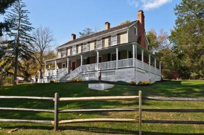 Circa 1707 Colonial