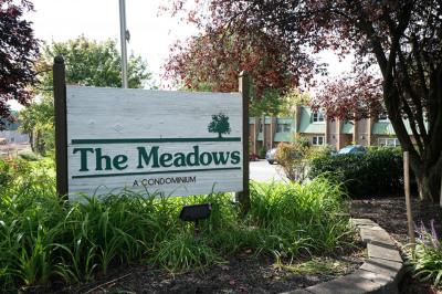 1012 Meadowview Ln