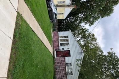 208 Highland Ave