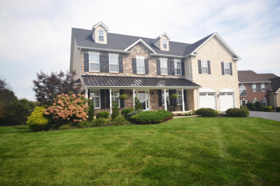 2211 Rockwell Ter