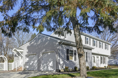 8 Huntly Dr