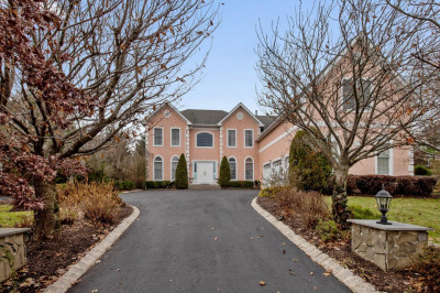 110 Country Club Dr