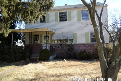 125 W Maple Ave