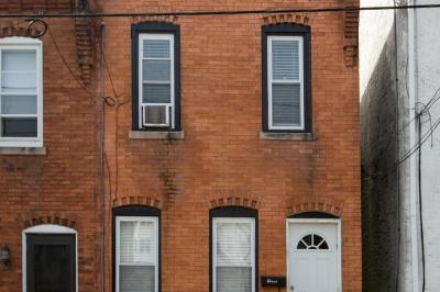 4648 Mansion St