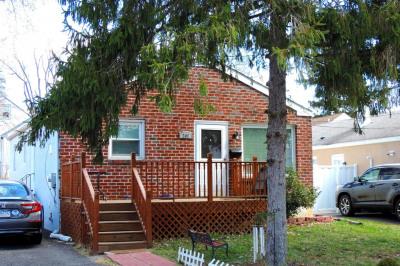 207 Cedar Rd