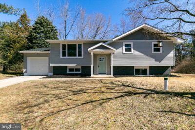 4 Carriage Ct