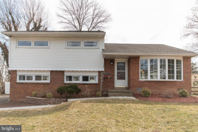 115 Hedgerow Dr