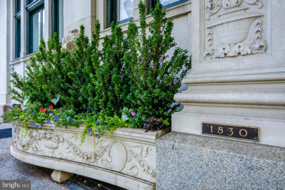 1830 Rittenhouse Sq #14B