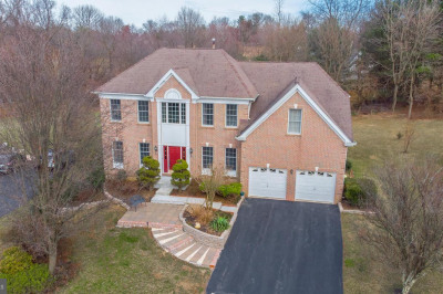 1347 Wooded Knoll