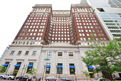 1600-18 Arch St #1002