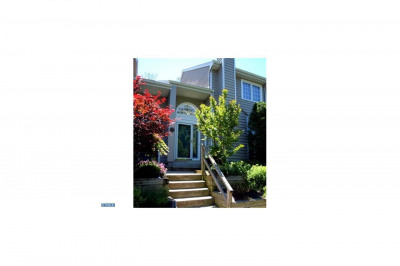 73 Cabot Dr