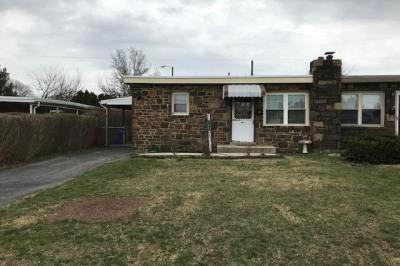 1327 Hillcrest Rd