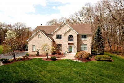 14 Clearwater Dr