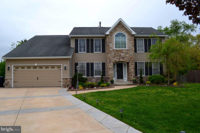 72 Dundee Ct