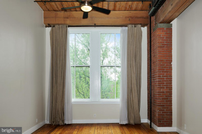 309-13 Arch St #403