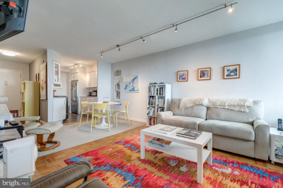 604 S Washington Sq #1809