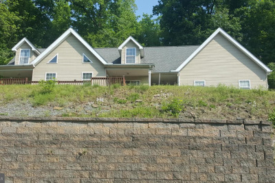 128 Hill Dr