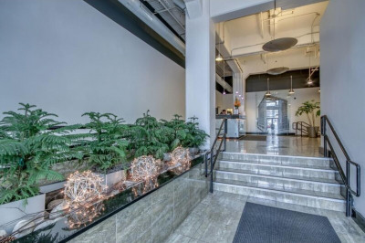 2200 Arch St #205
