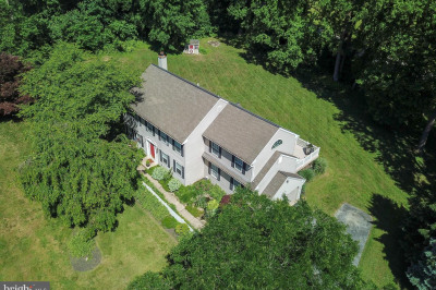 109 Wooded Acres Ln
