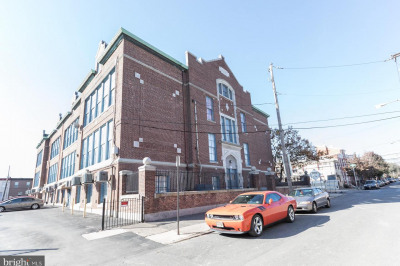 1050 E Montgomery Ave #209