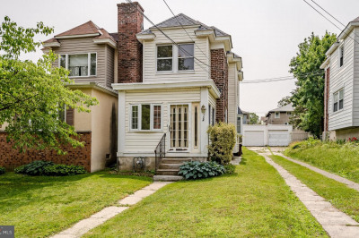 124 W Plumstead Ave