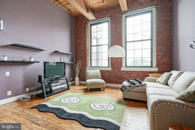 309-13 Arch St #506