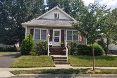 40 E Greenwood Ave