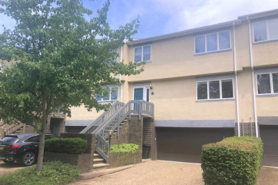 26 Exeter Ct