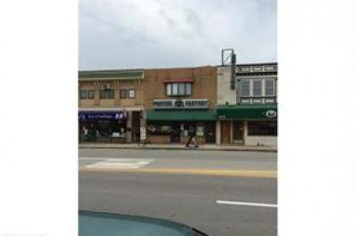 608 W Lancaster Ave