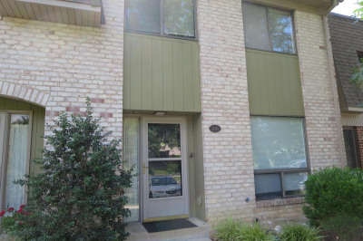 1141 Putnam Blvd #22