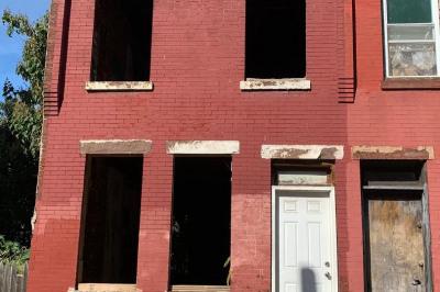 1456 N Myrtlewood St