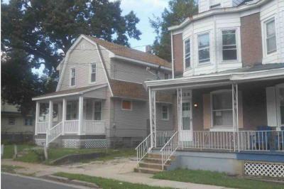 828 Hoffman Ave