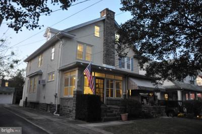 142 Hastings Ave