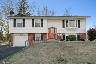 232 Colonial Dr