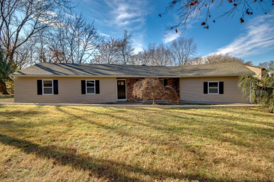 288 Colonial Dr