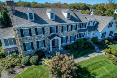 104 Paired Oaks Ln