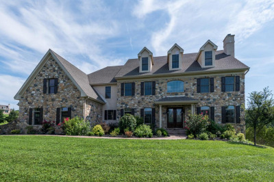 5 Colonial Dr