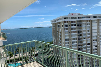 1408 Brickell Bay Dr #1401 1