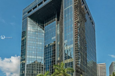 1200 Brickell Avenue #400