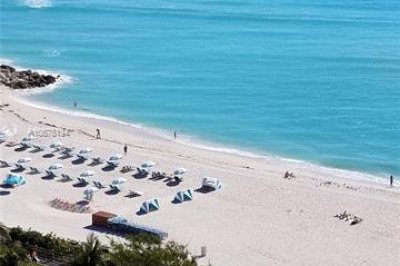 Gorgeous Beach Day...View from Balcony and Den