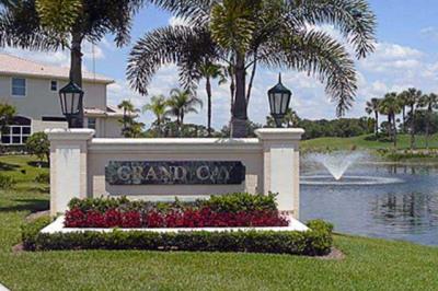 1112 Grand Cay Drive