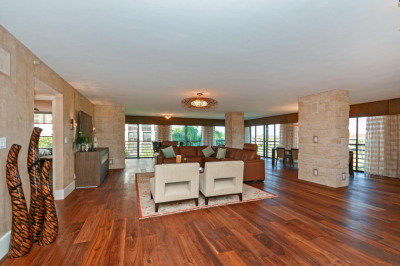 7567 Imperial Drive #401