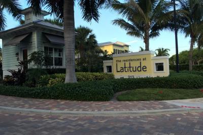 226 N Latitude Circle #101e