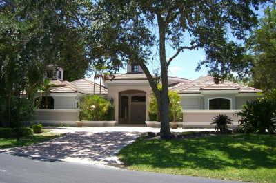798 Pelican Point Cove